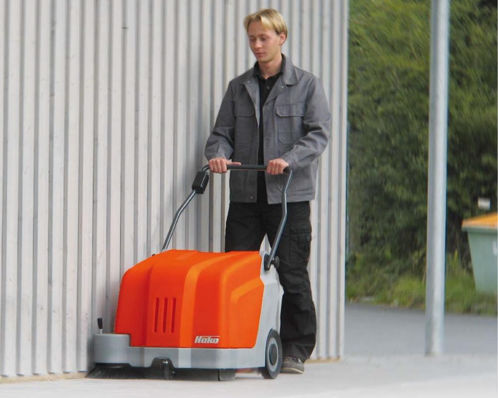 Sweepmaster-B500-Battery-Floor-Sweeper-3
