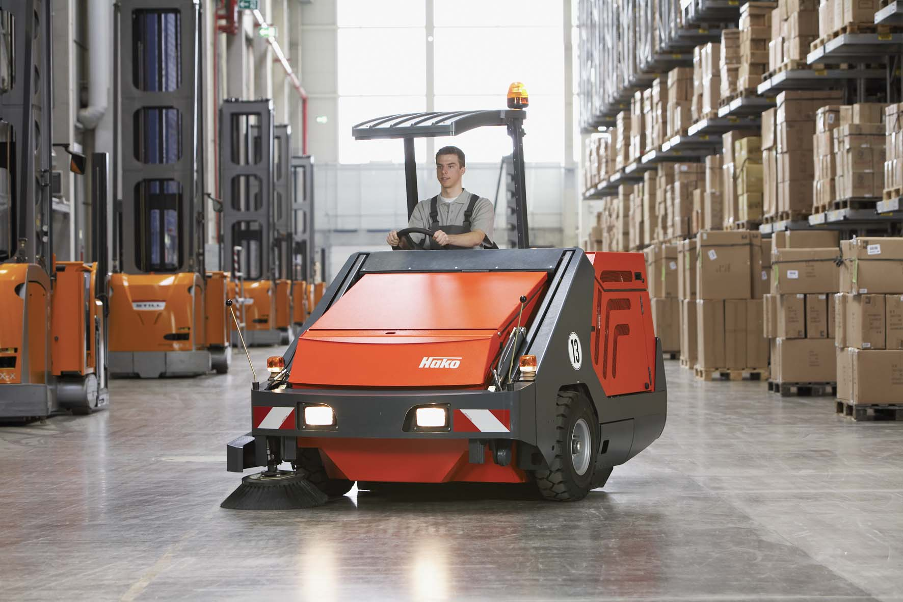 Powerboss 9xr Industrial Floor Sweeper