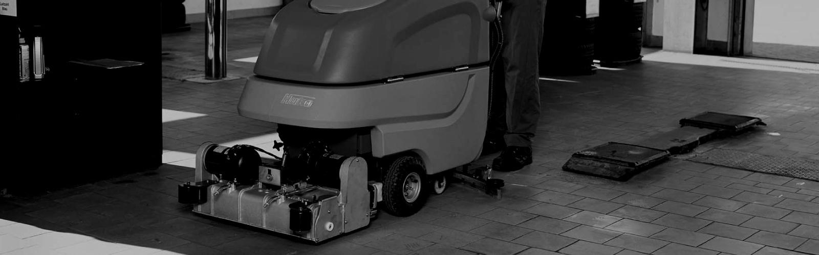 Scrubmaster B70 CL Industrial Battery Electric Floor Scrubber - 65cm-85cm