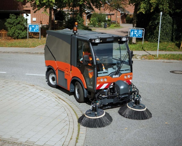 Citymaster-2000-Euro-5-Foothpath-_-Street-Sweeper-3.jpg