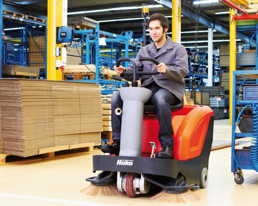 Sweepmaster-B800-R-Industrial-Floor-Sweeper-2.jpg