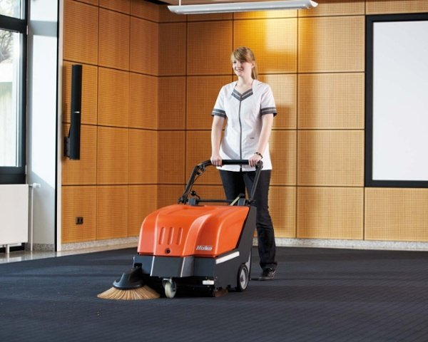 Sweepmaster-B-P650-Battery-or-Petrol-Floor-Sweeper-2.jpg