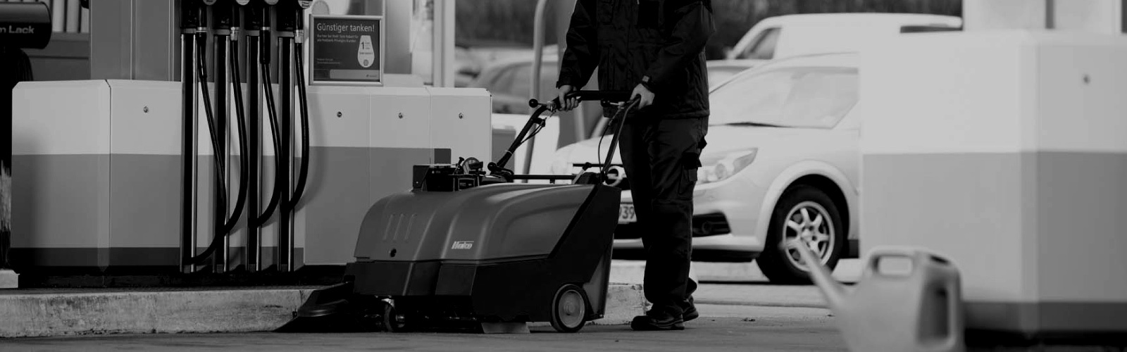 Sweepmaster B/P 650 Industrial Floor Sweeper or Carpet Area Vacuum
