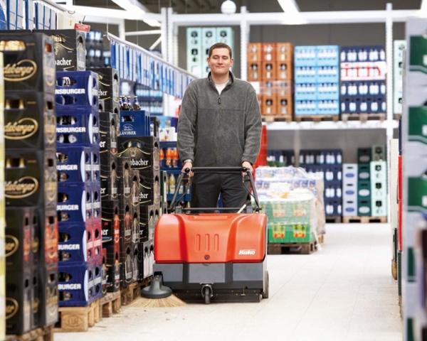 Sweepmaster-B-P800-Battery-or-Petrol-Floor-Sweeper-3.jpg