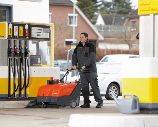 Sweepmaster-B-P800-Battery-or-Petrol-Floor-Sweeper-4.jpg